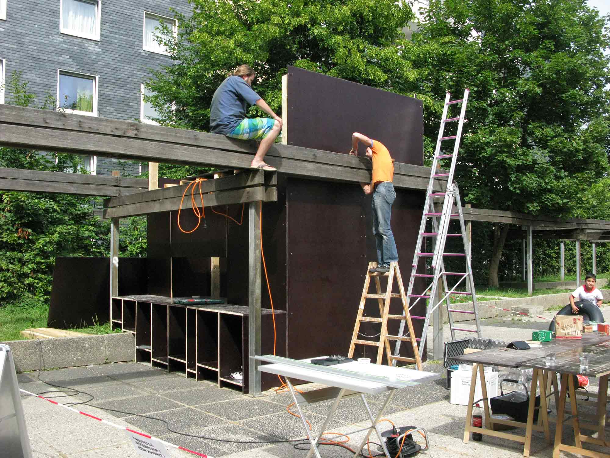 Apolonija Šušteršič, Hustadt Project, Building the temporary pavilion.